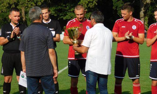 Odovzdanie pohára pre víťaza VI. ligy ObFZ Trebišov